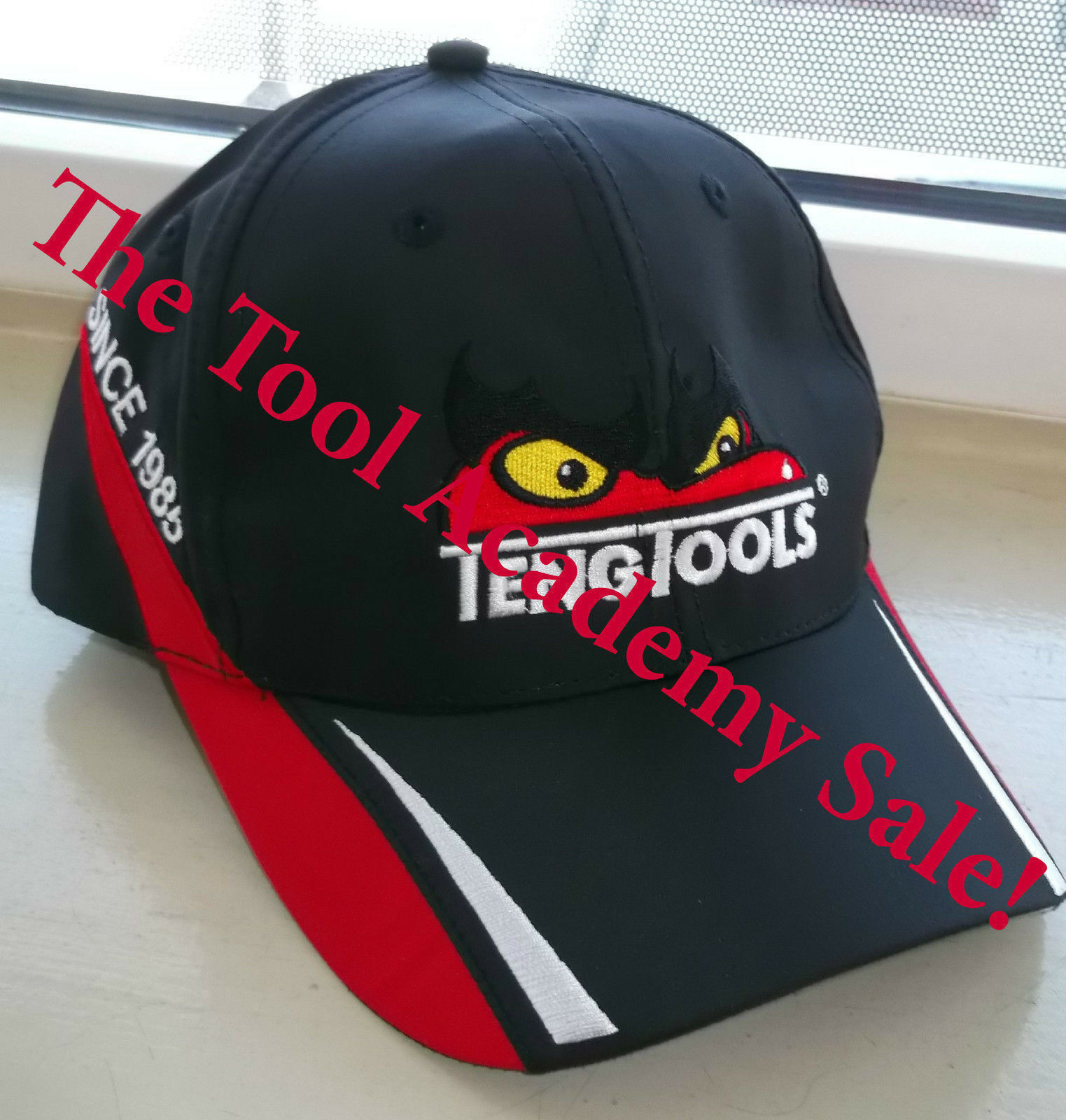 TENG TOOLS NEW DESIGN WOOL /& ACRYLIC RED CAP WITH LOGO AND BRANDING