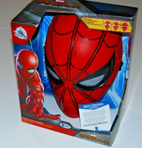 TOM HOLLAND signed (SPIDER-MAN) MARVEL AVENGERS FAR FROM HOME MASK BECKETT #1