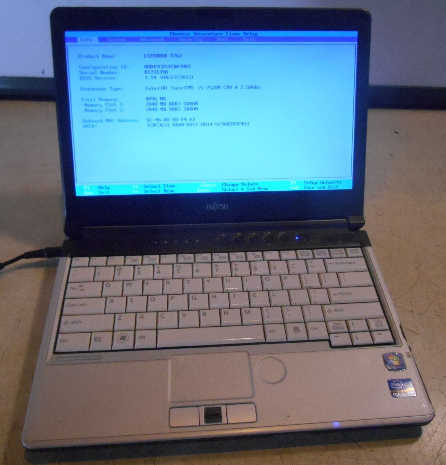 Lifebook S761 Intel core i5-2520M @ 2.50GHz 4GB Laptop Computer, no hdd