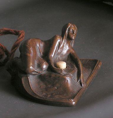 Wiener Jugendstil-Bronze: figürlicher Klingelknopf, P. Tereszczuk, sign. um 1900