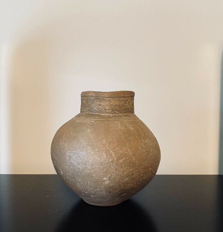 Native American Mississippian Pottery Vessel. Engraved