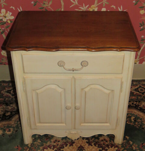 Ethan Allen Country French Bedside Commode Night Stand 26 5226 Finish 616