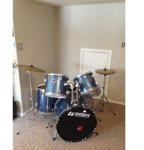 Westbury 5 piece drum kit with cymbals and drum sticks