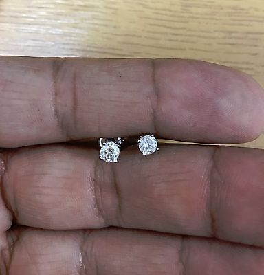 Stunning 0.50ct 18k white gold diamond solitaire stud earrings - certified.