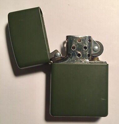 1999 Zippo Lighter #221 REG GREEN MATTE ARMY Pre-Owned