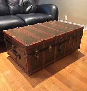 Antique Steamer Trunk (1920's) Awesome Coffee Table