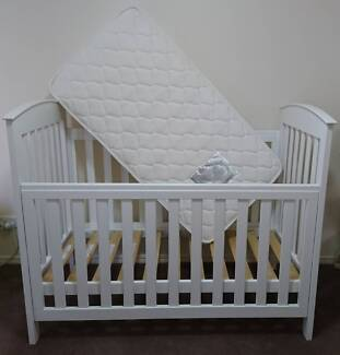 White Baby Cot with Mattress, Protector and Bed Sheet