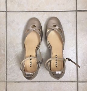 Gold-Coloured Dance Shoes - Size 6.5