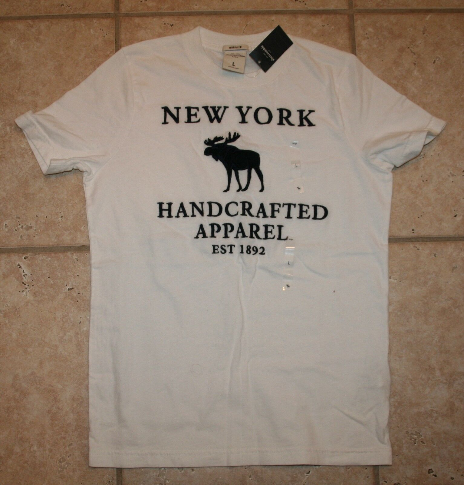 Abercrombie Boys Small White Muscle Fit York Handcrafted Ss T-shirt