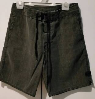 Mens size 30 BILLABONG shorts