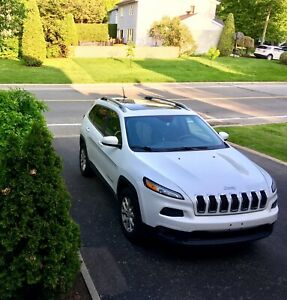 2014 Jeep Cherokee North 4x4/V6/Tow kit/Toit Pano/Bluetooth