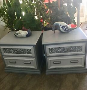 Gorgeous, 2-tone grey side tables (2)