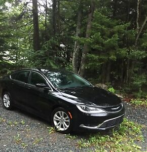 2015 Chrysler 200 - Like New