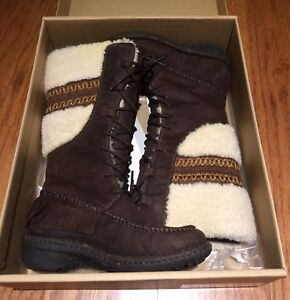 Ugg Shoreline Boots - Barely Ever Worn! Size 6