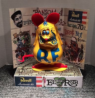 REVELL ED ROTH RAT FINK MODEL STORE DISPLAY BASE ONLY