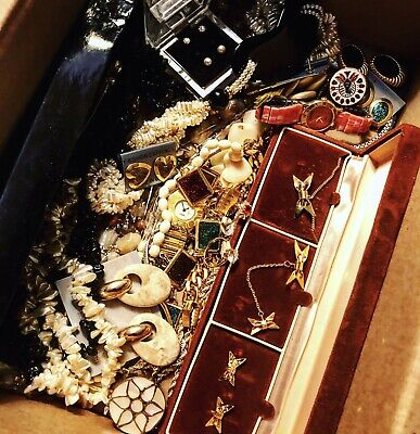 Mystery 20 Pieces Of Mix Vintage Costume Jewelry All Good Wearable UNDER $2 Each](Costumes Under 20)