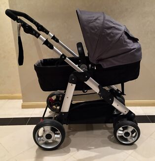 Near new baby pram for sale