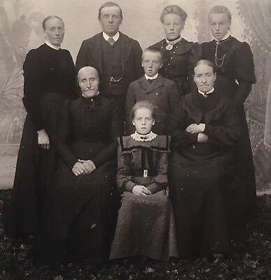 Pretty School Girls (1880's Pretty School Girls Twin Sisters 3 Generation Family Cabinet Card)
