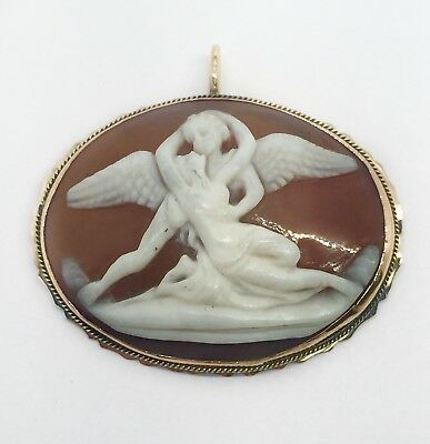 Vintage Carved Coral Cameo Pendant 18K Yellow Gold