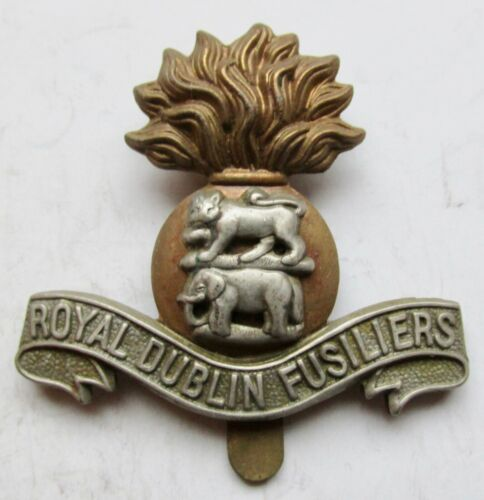 Great Britain WWII ROYAL DUBLIN FUSILIERS Hat Badge