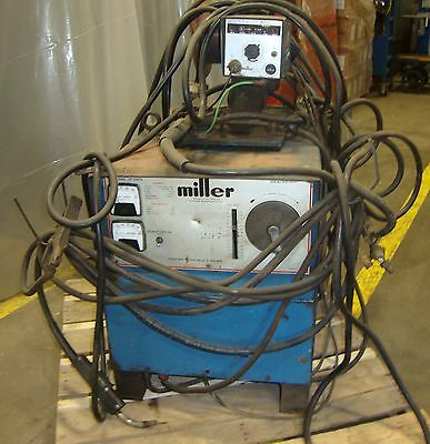 Miller Electric Mfg. Dc Welder Model Cp-250ts 3 Phase W Wire Feed M4 18388lr