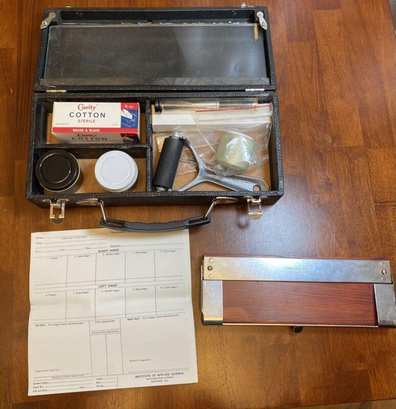 Vintage Fingerprint Kit Institute of Applied Science Chicago w/ Case, Pad, Ink