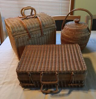 Wicker Baskets Assorted picnic/storage x 3 Edgeworth Lake Macquarie Area Preview