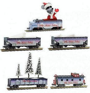 Micro-Trains N 99321280 White Christmas Delivery Train Set (no tracks). New