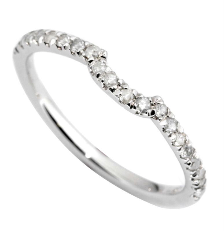 Classic SixProng Solitaire Engagement Ring in Platinum