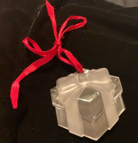 Vintage TIFFANY 1993 Crystal Gift Box Present Ornament With Red Ribbon Signed