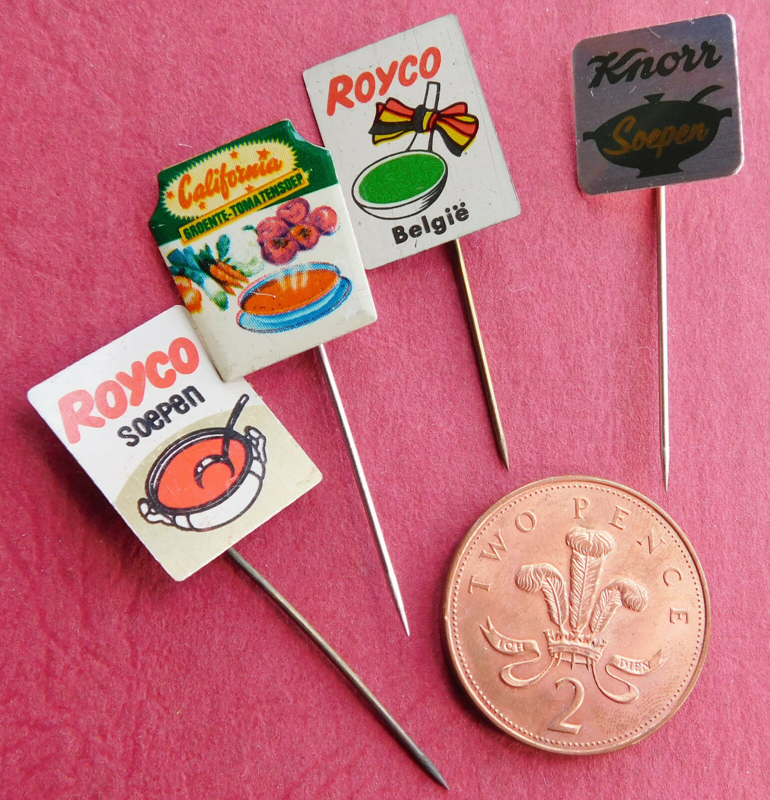 4 vintage Dutch pins soup Royco California Knorr soep food advertising badges E
