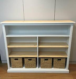 Reloved timber bookcase with 5 shelves (4 are adjustable) Allambie Heights Manly Area Preview