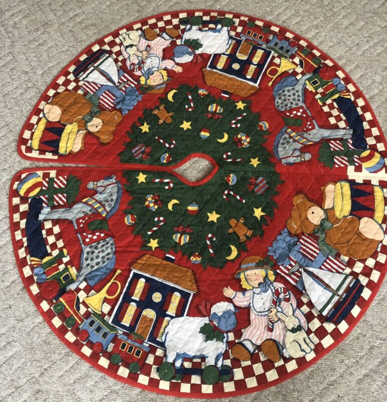 Vintage Quilted CHRISTMAS TREE SKIRT Teddy Bear Doll Train Lamb Bugle House