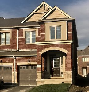 Homes for Lease in Sharon!