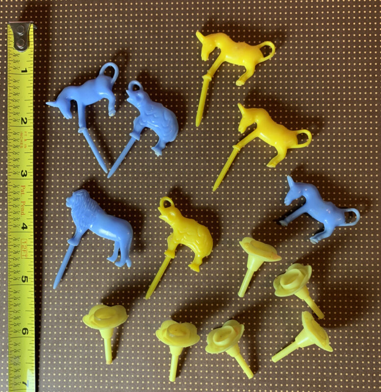 Vintage 1960s Zoo Animal Plastic Cake Pick Candle Holders Blue Yellow