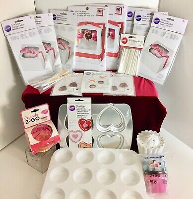 Cupcake Boxes Wholesale (Wilton's CAKE VALENTINE HEART Cookie BAKERY GIFT BOXES TREATS Candy Cupcakes)