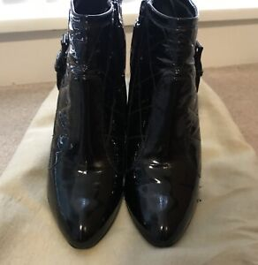 6b4e268c4343 BURBERRY Ankle Boots