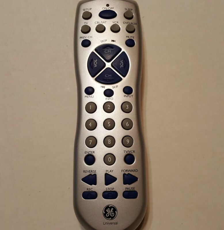 GE Universal Remote RC94930-I    General Electric Remote Control Transmitter   Z