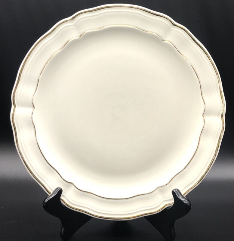"""Bernardaud Limoges """"LOUIS XV"""" 10 1/4"""" Dinner Plate - France"""