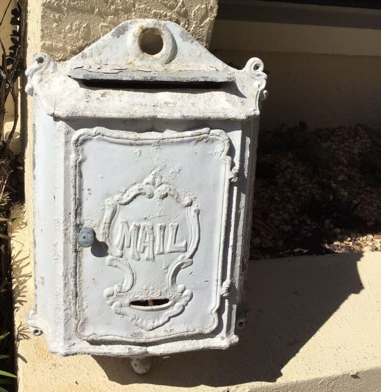 ANTIQUE LARGE CAST METAL ORNATE WALL HUNG WALL MOUNT MAILBOX / UNIQUE