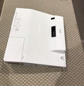Hitachi CP-AX2503 Projector