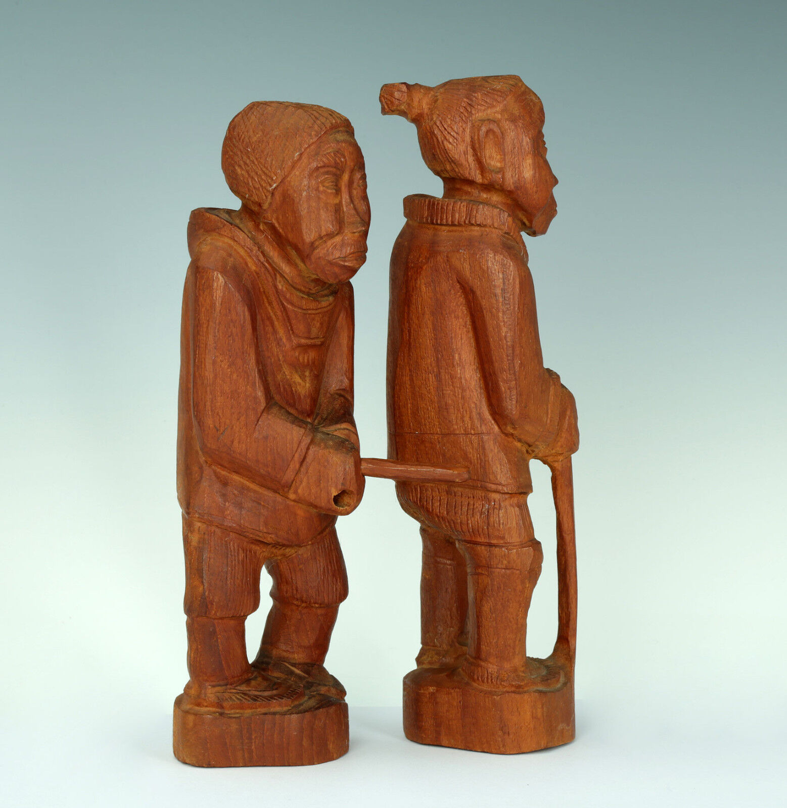 Inuit Art Bois Sculpture Signé Paire Midcentury bois Sculpture Greenland