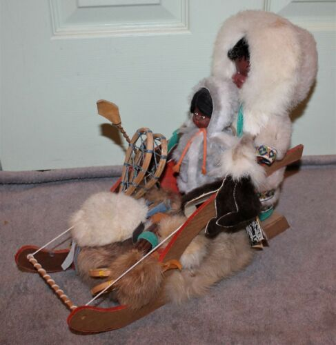VINTAGE NATIVE CANADIAN INDIEN ART ESKIMO HUGE DOG SLED W/TWO DOLLS ORIG TAG