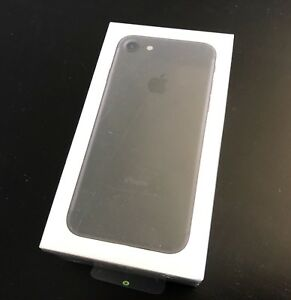 Apple iPhone 7 32g Brand New in a Sealed Box