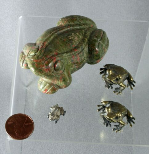 Blood stone carved Frog, collection of  four frogs