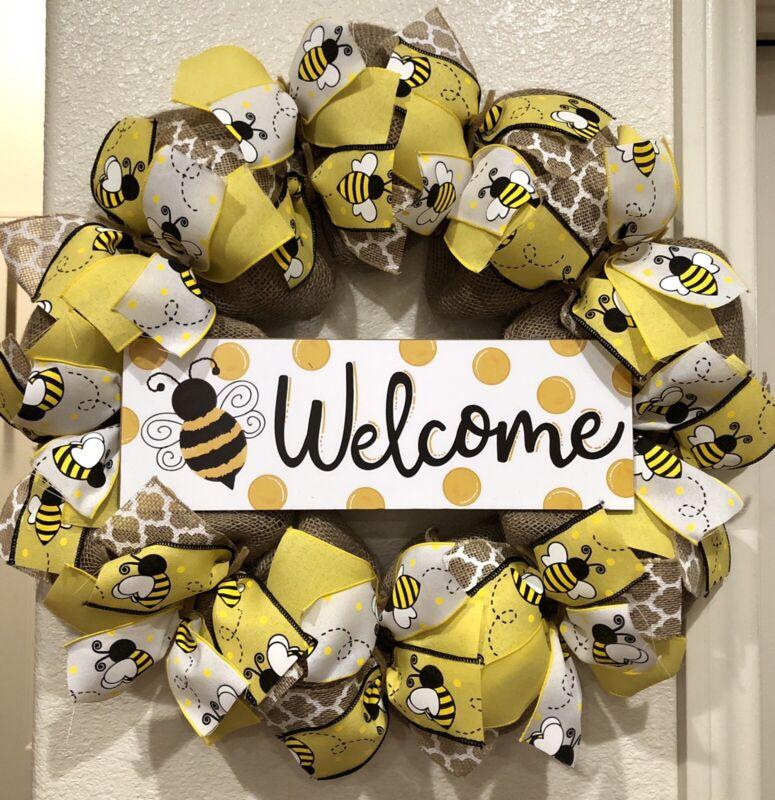 "FARMHOUSE BUMBLE BEE 🐝 YEAR ROUND Welcome Wreath BURLAP Deco Mesh 24"" x 24"""