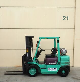 Mistsubushi container fork 2500kg capacity,4700mm lift,side shift Narellan Camden Area Preview