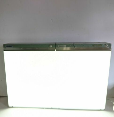 Picker 240097 Double Bank X-Ray Film Display/View Light Box Illuminator