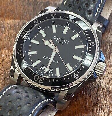 Pristine Gucci Dive Swiss Black Leather Strap Men's Watch YA136204 200M 136.2