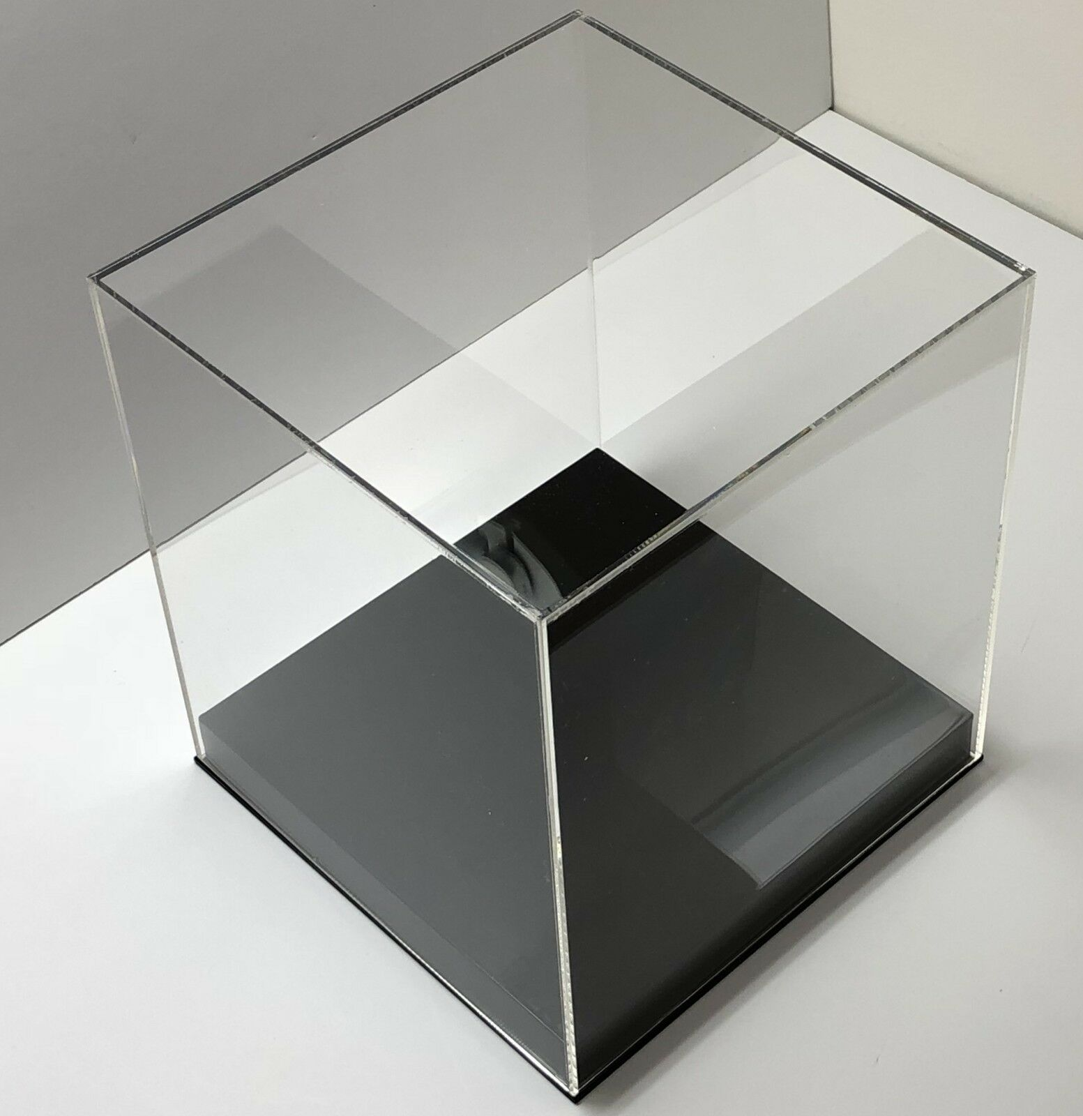 Photo Acrylic Display Box With BASE Display Case Clear Showcases Store Display Cube